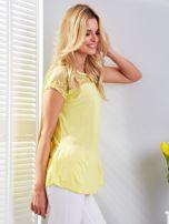 Bluzka żółta z koronkowym dekoltem                                  zdj.                                  3