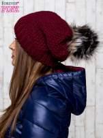 Bordowa dziergana czapka