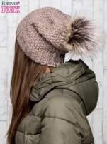 Brązowa dziergana czapka