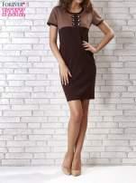 Brązowa sukienka ze złotymi guzikami                                  zdj.                                  4