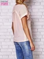 Brzoskwiniowy ażurowany t-shirt                                  zdj.                                  4