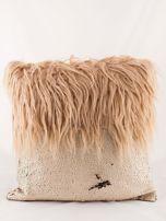Ciemnobeżowa poduszka z długim włosem i cekinami                                  zdj.                                  3