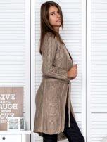 Ciemnobeżowy ażurowy długi sweter typu kardigan z paskiem                                  zdj.                                  5