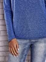 Ciemnoniebieska bluzka z surowym wykończeniem                                  zdj.                                  7