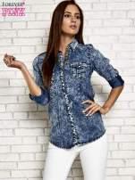Ciemnoniebieska denimowa koszula z motywem acid wash                                  zdj.                                  5