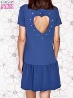 Ciemnoniebieska dresowa sukienka z wycięciem na plecach                                   zdj.                                  4