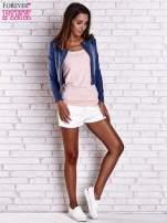 Ciemnoniebieska krótka kurtka jeansowa z przetarciami                                                                          zdj.                                                                         2