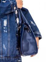 Ciemnoniebieska torba z ozdobnymi ćwiekami                                  zdj.                                  3