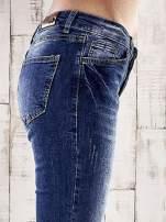 Ciemnoniebieskie marmurkowe spodnie skinny jeans                                                                          zdj.                                                                         5