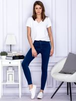 Ciemnoniebieskie spodnie jeansowe slim z wysokim stanem                                  zdj.                                  4