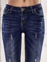 Ciemnoniebieskie spodnie skinny jeans z efektem marble denim                                  zdj.                                  4