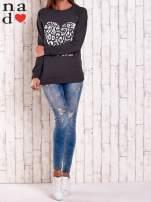 Granatowa bluza z nadrukiem serca i napisem JE T'AIME                                                                           zdj.                                                                         2