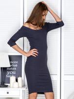 Ciemnoszara prążkowana sukienka odsłaniająca ramiona                                  zdj.                                  5