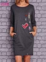 Ciemnoszara sukienka z naszywkami                                  zdj.                                  1