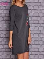 Ciemnoszara sukienka z naszywkami                                  zdj.                                  2