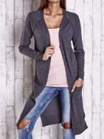 Ciemnoszary długi sweter z ażurowym zdobieniem szwów                                  zdj.                                  1