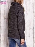 Ciemnoszary melanżowy sweter z szerokim kołnierzem                                  zdj.                                  4