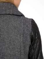 Ciemnoszary płaszcz ze skórzanymi pikowanymi rękawami                                  zdj.                                  10