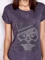 Ciemnoszary t-shirt z nadrukiem pandy                                  zdj.                                  5