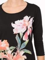 Czarna bawełniana bluzka z motywem kwiatowym                                  zdj.                                  6