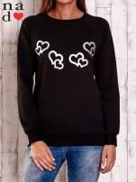 Czarna bluza z motywem serduszek