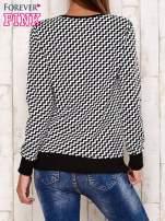 Czarna bluza z motywem serduszek i geometrycznym tyłem                                                                          zdj.                                                                         4