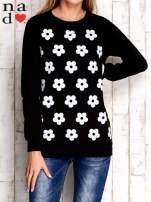 Czarna bluza z nadrukiem kwiatów                                  zdj.                                  1