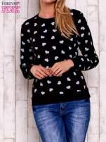 Czarna bluza z nadrukiem serduszek