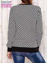 Czarna bluza z tekstowym nadrukiem i geometrycznym tyłem                                  zdj.                                  4