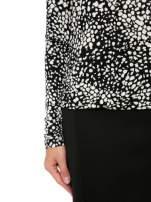 Czarna bluzka w plamki z koronkowym dekoltem                                  zdj.                                  6