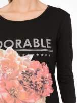Czarna bluzka z motywem kwiatowym i napisem ADORABLE                                  zdj.                                  6
