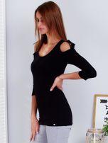 Czarna bluzka z paskami na ramionach                                  zdj.                                  3