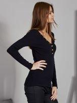 Czarna bluzka z zatrzaskami przy dekolcie                                   zdj.                                  5