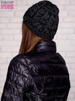 Czarna czapka z metaliczną nicią                                  zdj.                                  2