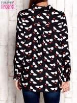Czarna koszula z kobiecym nadrukiem                                  zdj.                                  2