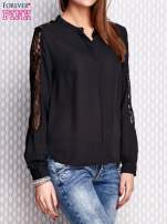 Czarna koszula z koronkowymi wstawkami na ramionach                                   zdj.                                  3