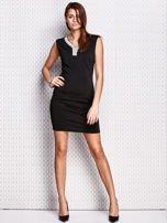 Czarna ołówkowa sukienka z błyszczącą aplikacją                                  zdj.                                  4