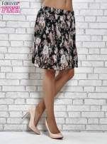 Czarna plisowana spódnica w kwiaty                                                                          zdj.                                                                         3