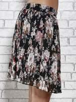 Czarna plisowana spódnica w kwiaty                                                                          zdj.                                                                         6