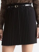 Czarna plisowana spódnica z paskiem                                  zdj.                                  1