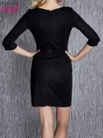 Granatowa sukienka z czarnym wykończeniem                                                                          zdj.                                                                         3