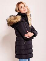 Czarna zimowa kurtka z kapturem                                  zdj.                                  3