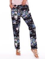 Czarne luźne kwiatowe spodnie                                  zdj.                                  1