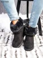 Czarne ocieplane śniegowce na koturnie z futrzanym kołnierzem                                  zdj.                                  1
