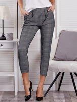 Czarne spodnie materiałowe w kratę                                  zdj.                                  1