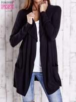 Czarny długi niezapinany sweter z kieszeniami                                  zdj.                                  1
