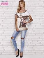 Czarny koronkowy t-shirt z nadrukiem dziewczyny                                  zdj.                                  4