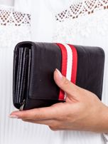 Czarny portfel z kontrastową wstawką w paski                                   zdj.                                  3