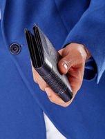 Czarny portfel z poziomą tłoczoną wstawką                                  zdj.                                  6