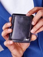 Czarny portfel z tłoczeniami męski                                   zdj.                                  1